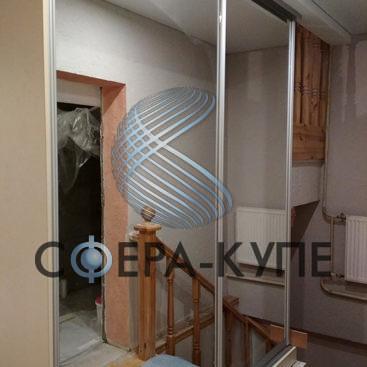 Шкаф купе под лестницу
