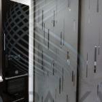 Зонирование раздвижными дверями купе
