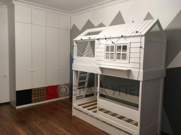 Шкаф распашной для детской