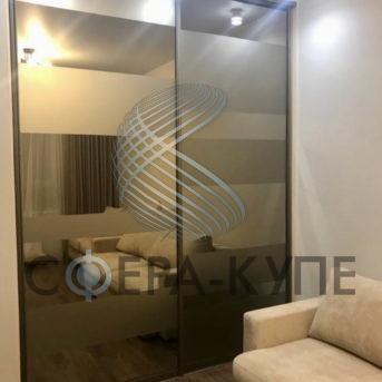 Шкаф купе встроенный с зеркалом бронза